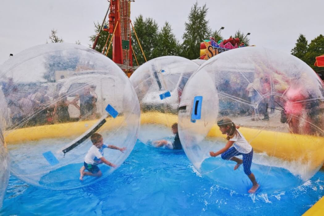 Inflatable 6m² pool for water attractions